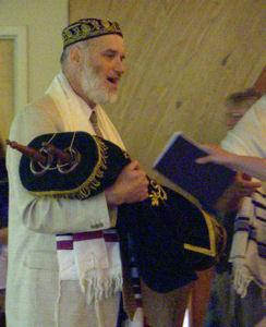 Rabbi-TorahScroll-Siddur-2009